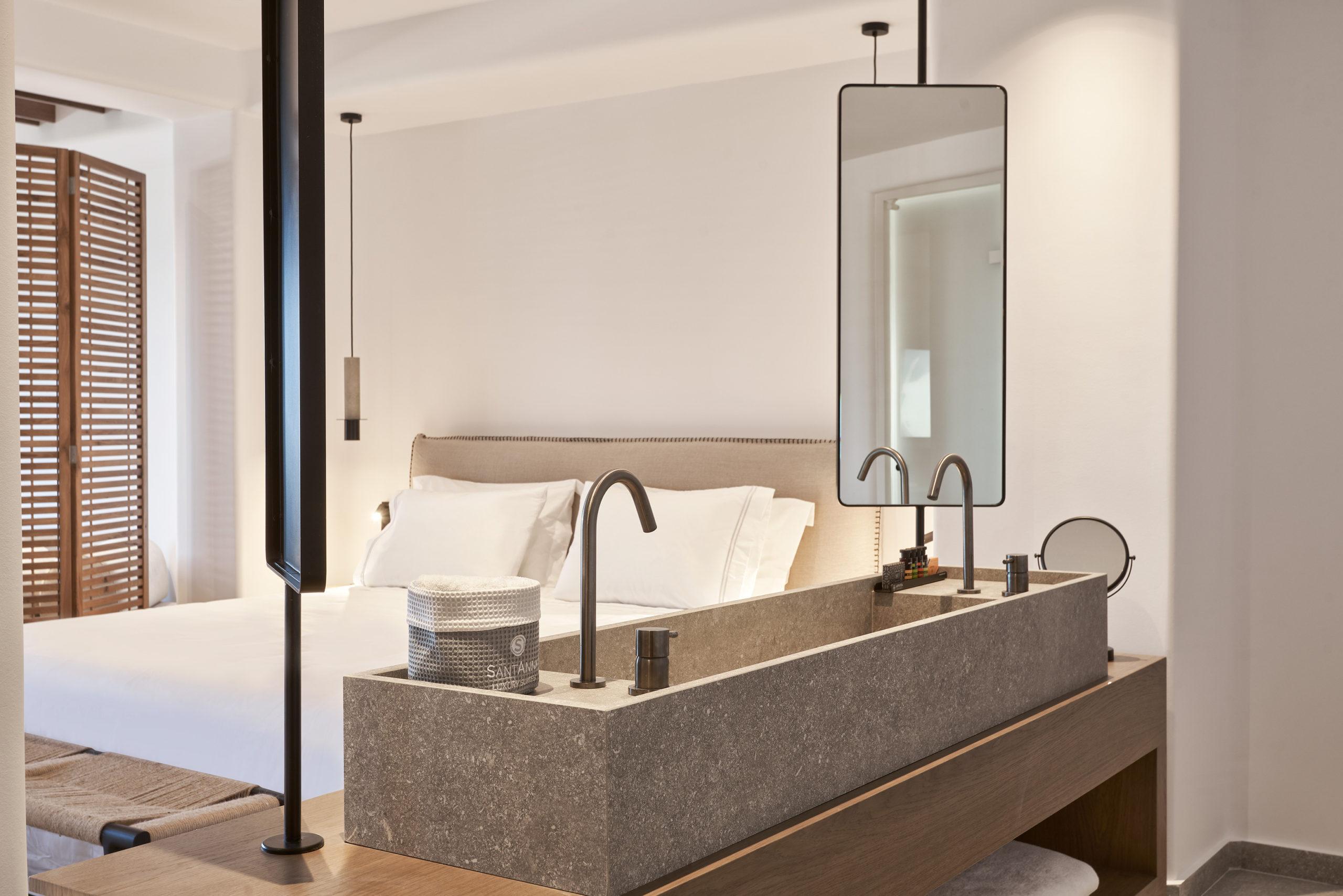 SantAnna Luxury Suites - Deluxe Suites Pool Front