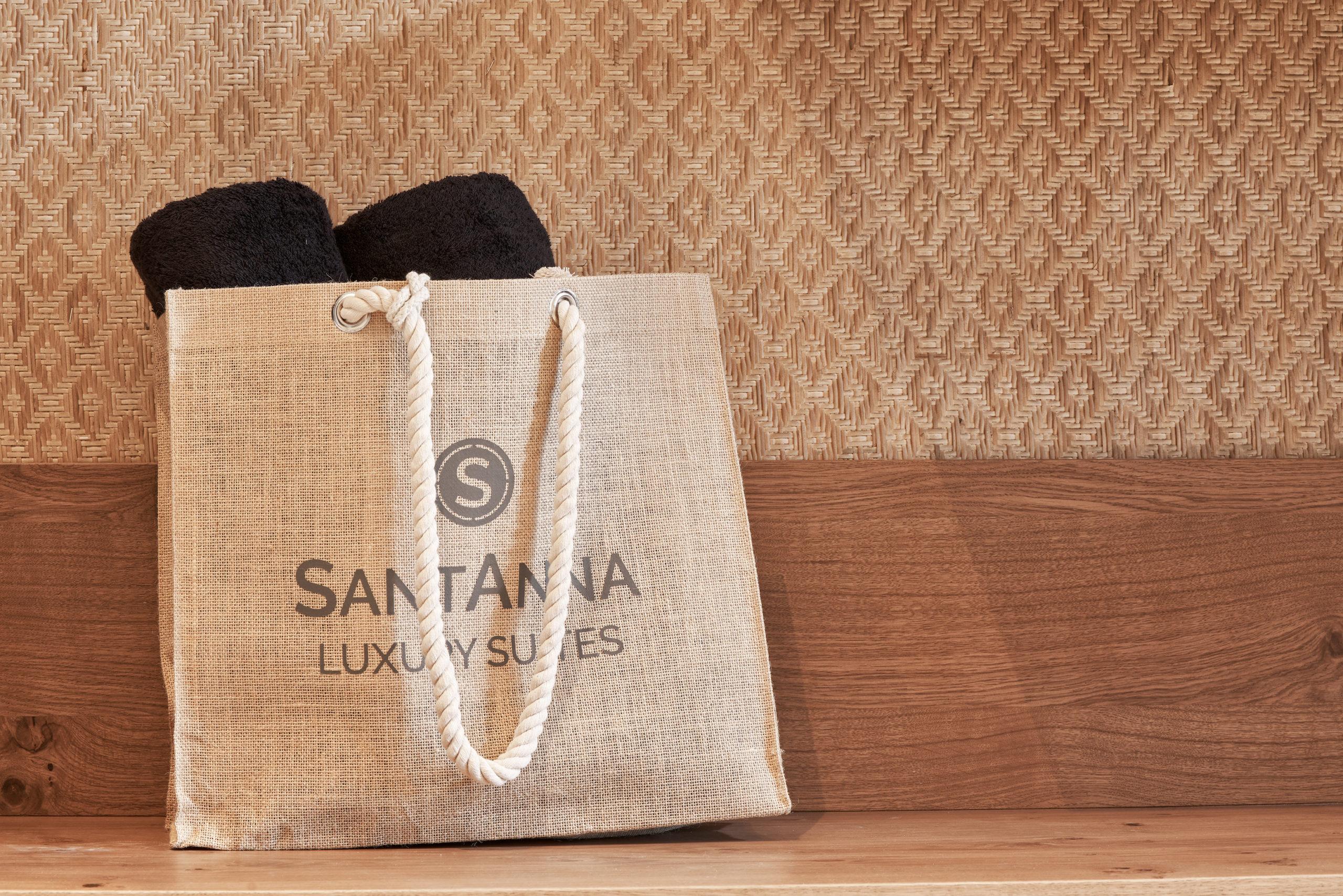 SantAnna Luxury Suites - Family Suites Pool Front